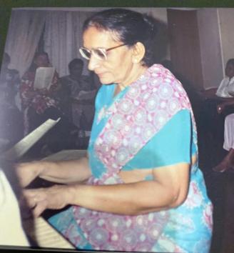 Mrs. Chandra Navaratnam (2)